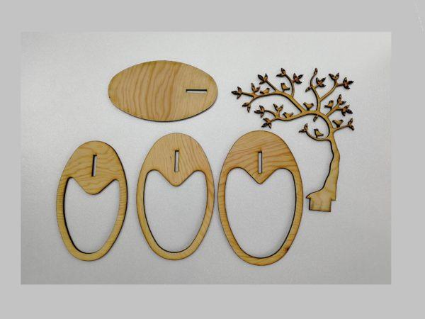 Lasercut 24 - Schmuckbaum aus Holz mit Kiefermaserung