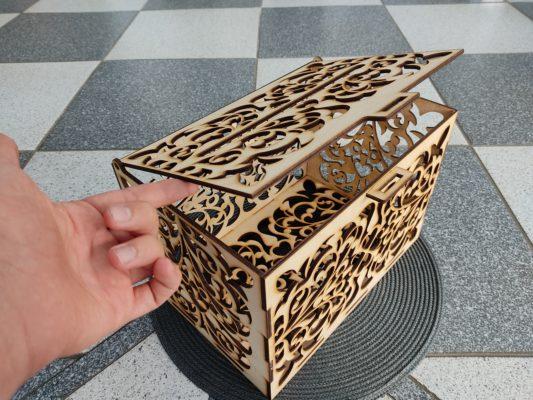 briefbox-hochzeit-aus-holz-briefkasten-offen
