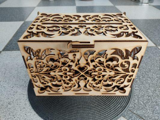 briefbox-hochzeit-aus-holz-briefkasten-vorne