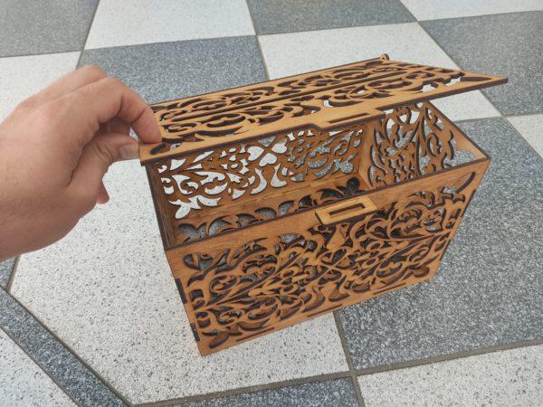 hochzeitsdeko-aus-holz-briefkasten-vorne1-braun