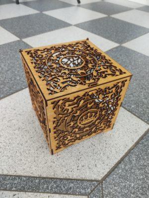 hochzeitsdeko-aus-holz-geschenkbox-seite-braun
