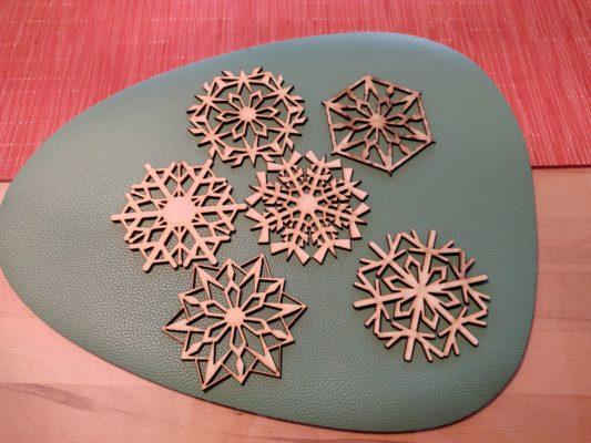 weihnachtsdeko-glas-tassenuntersetzer-sortiment