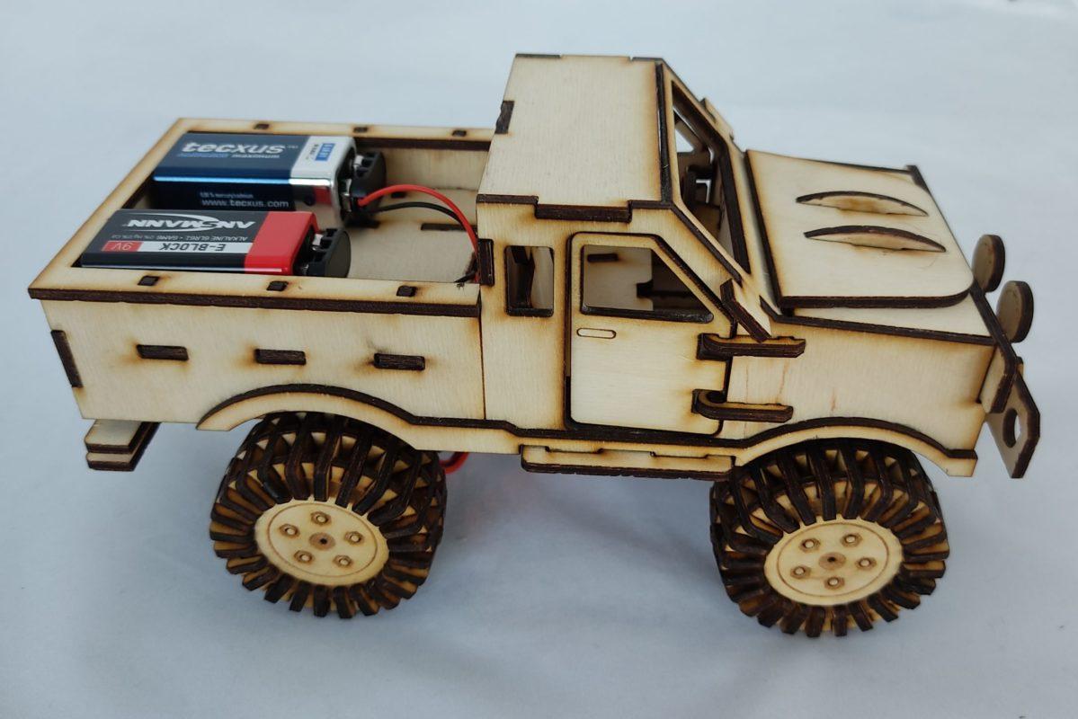 monstertruck_truck_auto_aus_holz_rccontrol_3